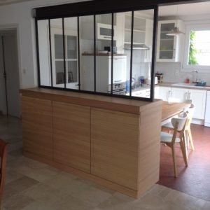 Meuble verriere separation cuisine salon cna d cobois for Table separation cuisine salon